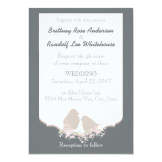 Os pássaros de afago do casamento rústico do país convite 12.7 x 17.78cm