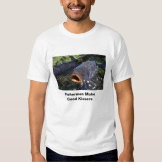 Os pescadores fazem bons Kissers T-shirts