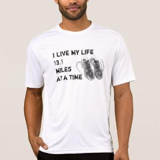 Os SS Wicking dos homens - vida 13,1 milhas de T-shirts