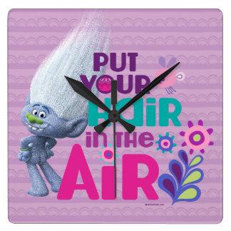 Os troll | pôr seu cabelo no ar relógio quadrado