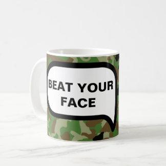 Os veteranos precisam o amor demasiado caneca de café
