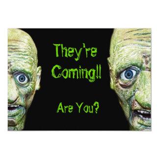 Os zombis são dobro assustador de vinda do Dia das Convite 12.7 X 17.78cm