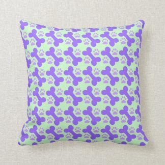 Osso de cão & travesseiro decorativo da pata almofada