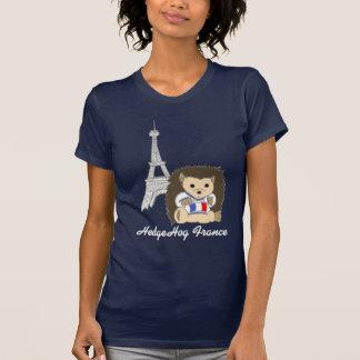 Ouriço nas camisetas das mulheres escuras de