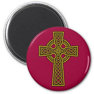 Ouro do skelton da cruz celta ímã redondo 5.08cm
