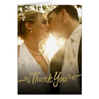 Ouro dos cartões de agradecimentos do casamento