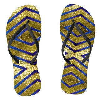 Ouro e chinelos azuis