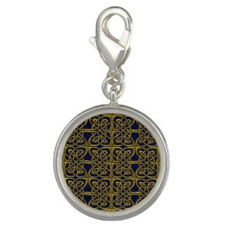 Ouro e teste padrão conectado azul do céltico dos photo charms