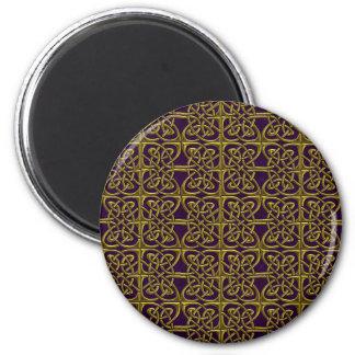 Ouro e teste padrão conectado roxo do céltico dos ima de geladeira