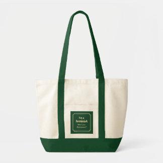 Ouro feminista do slogan da superpotência no verde sacola tote impulse
