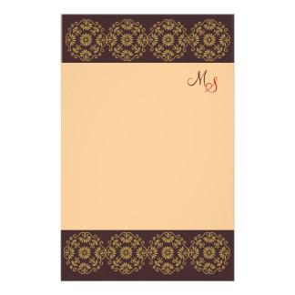 Ouro Monogrammed dos artigos de papelaria em Brown
