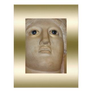 Ouro romano da deusa da estátua antiga das belas a convites