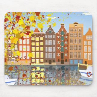 Outono Mousepad colorido do canal da cidade de