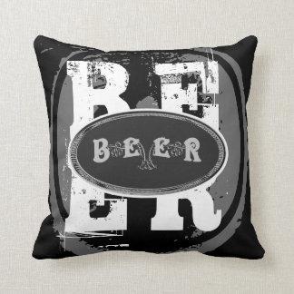 Oval Cerveja-Preto e branco Almofada