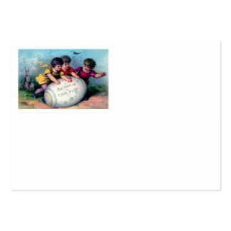 Ovo pintado colorido coelhinho da Páscoa das crian Cartão De Visita Grande