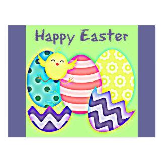 Ovos e pintinho de felz pascoa cartao postal