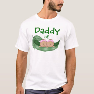 Pai de meninas gêmeas (pele escura) camiseta