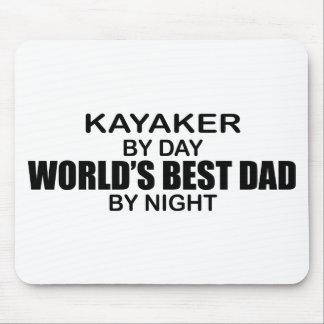 Pai do mundo do Kayaker o melhor em a noite Mouse Pad