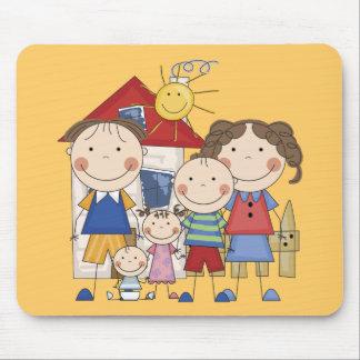 Pai, mamã, menino, menina, família do bebé mouse pads