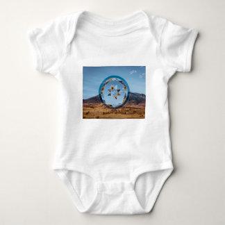 Paisagem abstrata com formas geométricas body para bebê