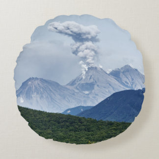 Paisagem cénico do vulcão do verão almofada redonda