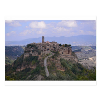 Paisagem italiana - cidade medieval cartão postal