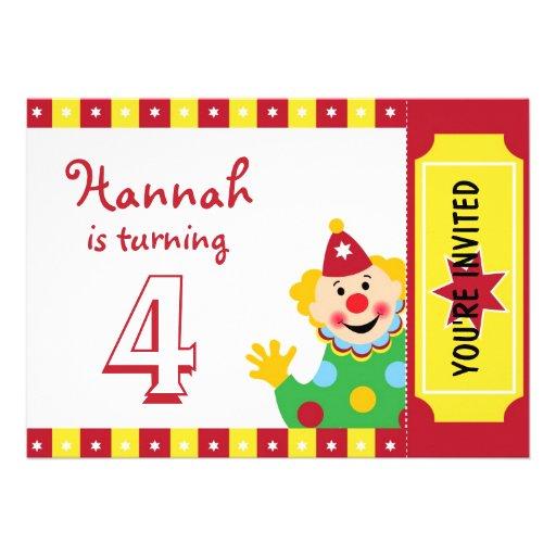 Palhaço com convites de festas de aniversários das