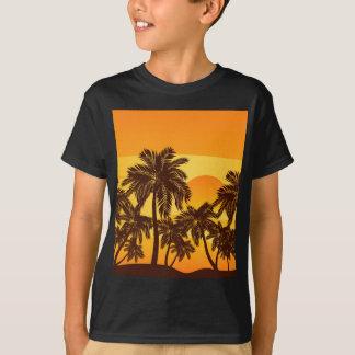 Palmeira no por do sol camiseta