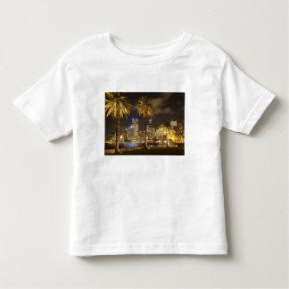 Palmeiras e CBD na noite, Sydney, sul novo Tshirts