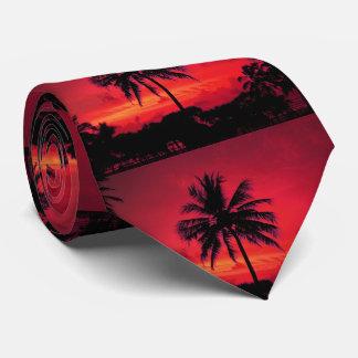 Palmeiras exóticas do por do sol havaiano vermelho gravata