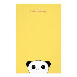 Panda de Kawaii no papel de nota amarelo Papeis Personalizados