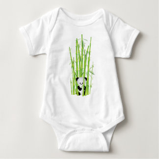 Panda do bebê na floresta de bambu camiseta