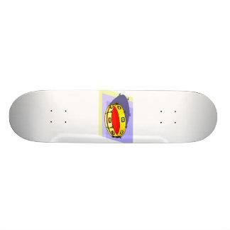 Pandeiro, amarelo, de cabeça para baixo com parte  shape de skate 21,6cm