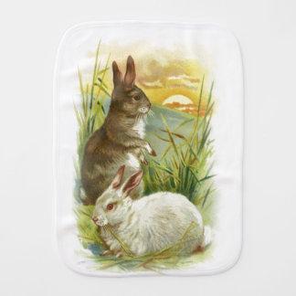 Paninho Para Bebês Coelhinhos da Páscoa no nascer do sol