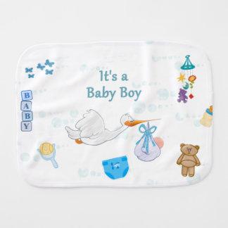 Paninho Para Bebês É um menino - chá de fraldas personalizado