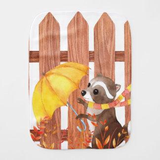 Paninho Para Bebês racoon com guarda-chuva que anda pela cerca