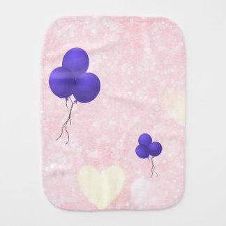 Pano De Boca Balões roxos e design amarelo dos corações