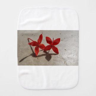 Pano De Boca Flores vermelhas