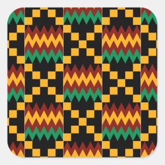 Pano preto, verde, vermelho, e amarelo de Kente Adesivos Quadrados