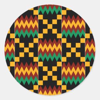 Pano preto, verde, vermelho, e amarelo de Kente Adesivo Redondo