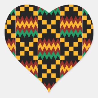 Pano preto, verde, vermelho, e amarelo de Kente Adesivos Em Forma De Corações