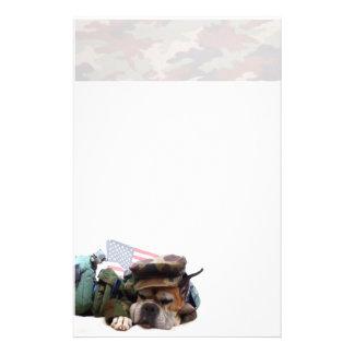 Papel de carta militar do cão do pugilista papelaria