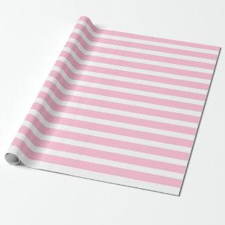 Papel de envolvimento brandamente cor-de-rosa e papel de presente