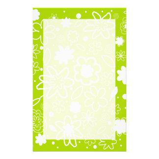Papel de nota do teste padrão de flor do verde lim papelaria