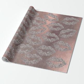 Papel De Presente A composição dos lábios do beijo cora metal sujo