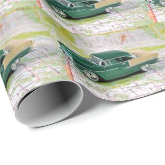 Papel De Presente carro retro no mapa de estradas