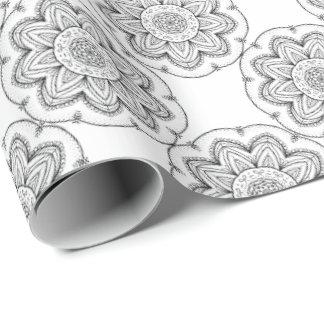 Papel De Presente Círculo preto & branco da mandala tirada mão da