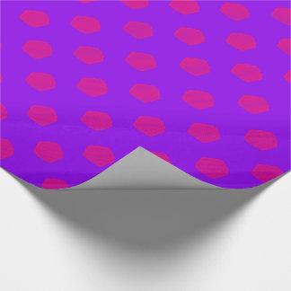 Papel De Presente Cupcakes das bolinhas no roxo e no rosa