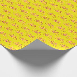 Papel De Presente Lotes de formas magentas da bicicleta no amarelo