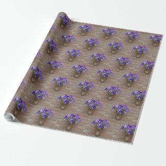 Papel De Presente Os Dutch florais obstruem a parede azul roxa da